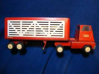 1960s Tonka Livestock Semi Truck. Harder to find model. Cracked