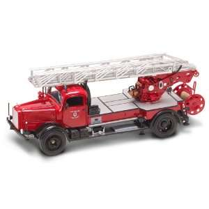 Yat Ming 1/24 1944 Mercedes Benz Type L4500F Fire Engine