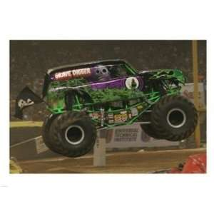 Pivot Publishing   B PPBPVP2046 Grave Digger Monster Truck