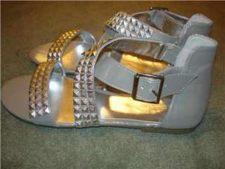 NWT $50 WANTED Silver Sandals Shoes Flats Womens 7.5 7 1/2 M