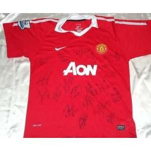 2011 Manchester United team signed soccer jersey ROONEY   Autographed